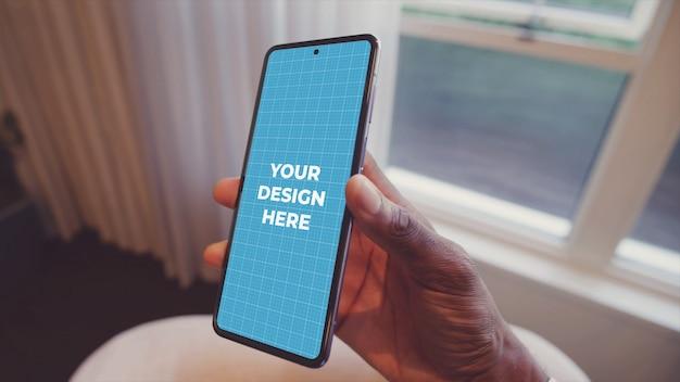 Makieta telefonu z androidem