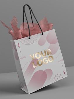 Makieta torby na zakupy z logo w kolorze złotym