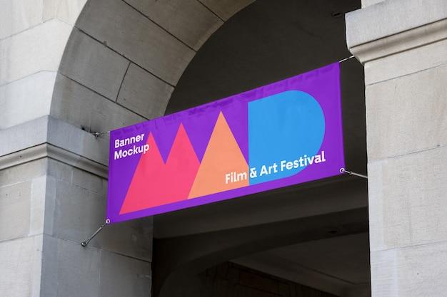 Makieta transparentu festiwalu sztuki