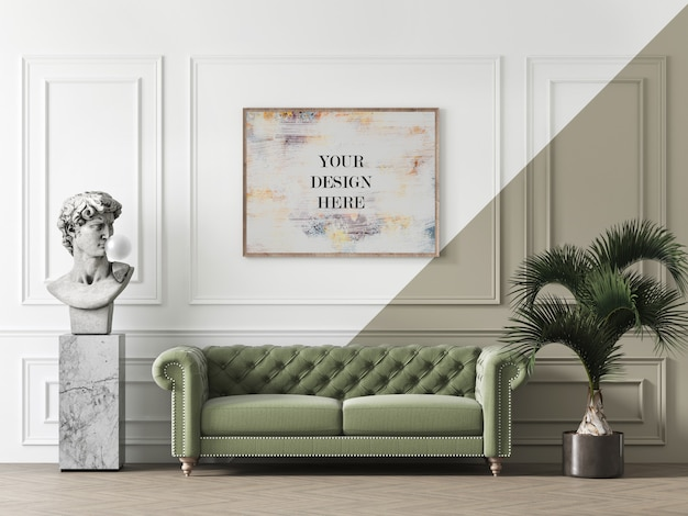 Makieta w drewnianej ramie na ścianie z rzeźbą i sofą