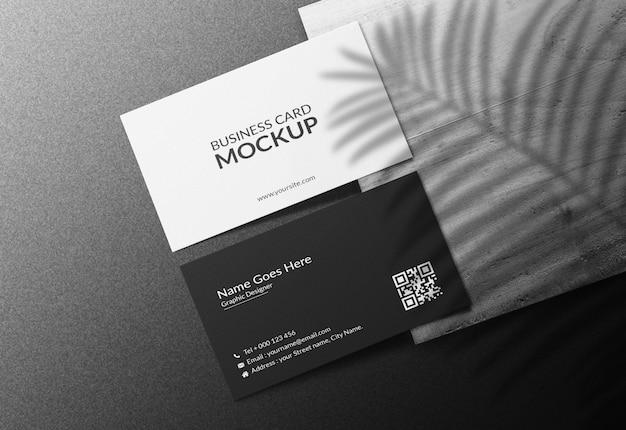 Makieta wizytówki na ciemnym tle