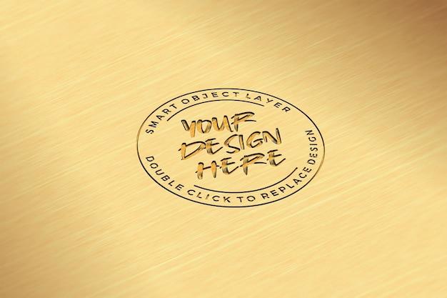 Makieta z grawerowanym złotym metalem