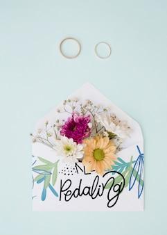 Makieta z koperty kwiatowej