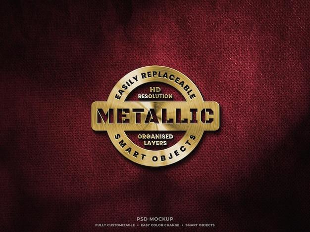 Makieta złotego metalicznego logo na szorstkiej tkaninie