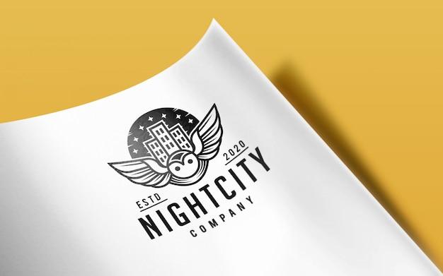 Makro czystego papieru zakrzywione makieta logo