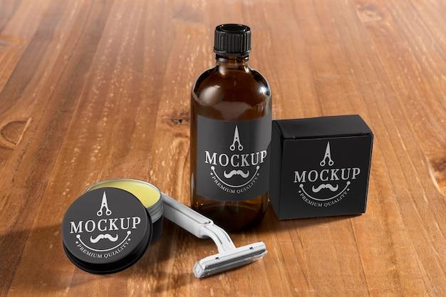 Maszynka do golenia o dużym kącie z balsamem do brody