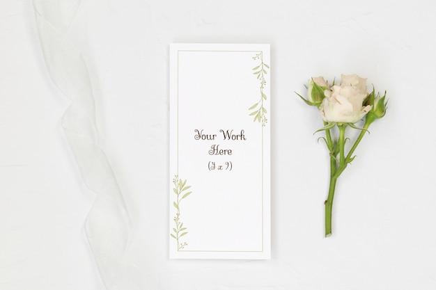 Menu weselne makieta z różą i wstążką
