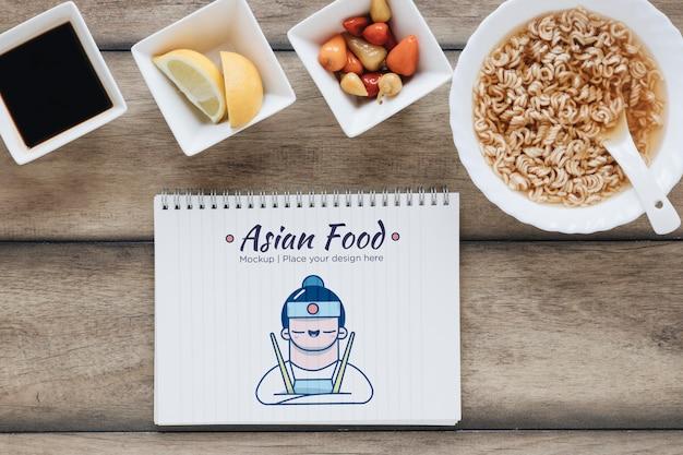 Mieszkanie świeckich smaczne azjatyckie jedzenie koncepcja