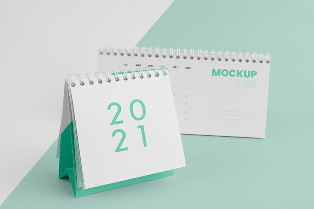Minimalistyczna kompozycja kalendarza makiety