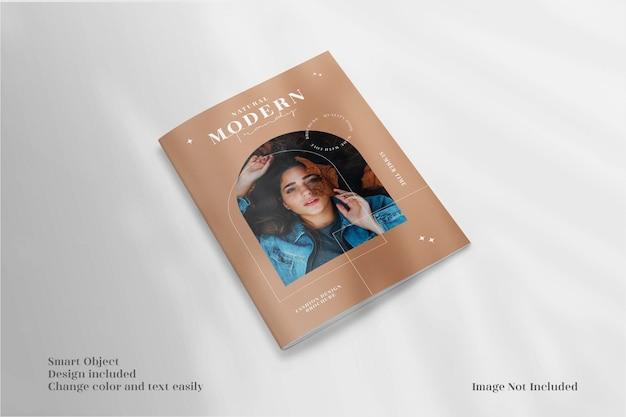 Minimalistyczna makieta broszury okładki