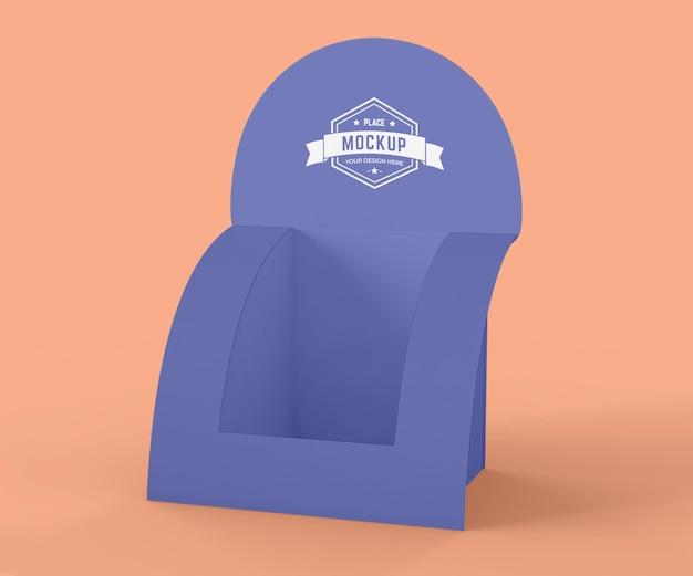 Minimalistyczna makieta fioletowego wystawcy