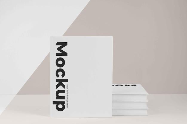 Minimalistyczny układ makiety książki