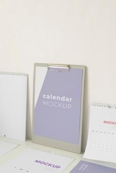 Minimalna kompozycja makiety kalendarza