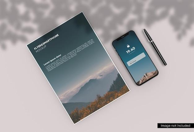 Minimalna makieta ulotki a4 i smartfona