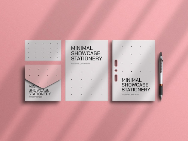 Minimalny papier firmowy z makietą koperty