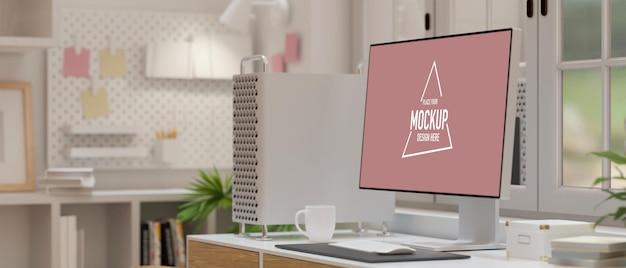Monitor komputerowy z pustym ekranem ozdobionym urządzeniem komputerowym, filiżanką kawy w niewyraźnym tle wnętrza pokoju biurowego, renderowanie 3d, ilustracja 3d