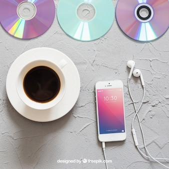 Muzyka mockup z kawą i smartphone