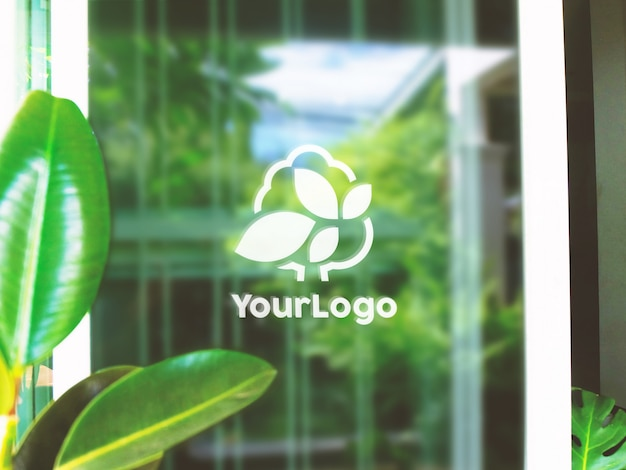 Naklejka photoshop na szkle makieta logo