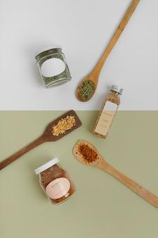 Naturalne przyprawy ze składem makiety etykiety