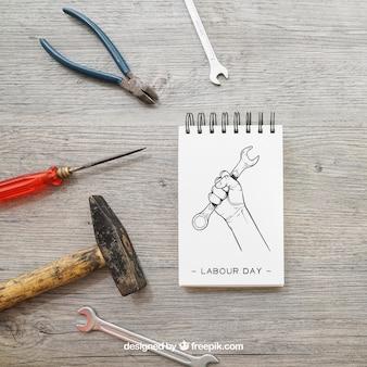 Notatnik i narzędzia