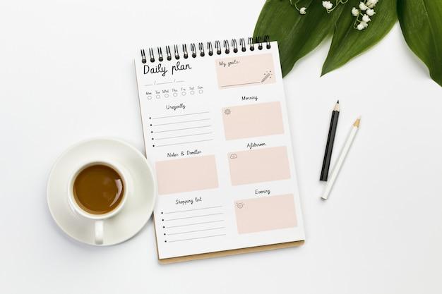 Notebook z koncepcją planu dziennego