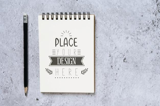 Notebook z miejscem do pracy