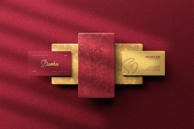 Nowoczesna elegancka wizytówka z projektem makiety logo