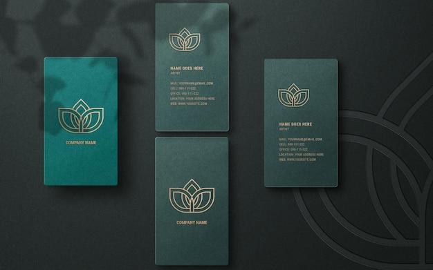 Nowoczesna makieta logo na luksusowej wizytówce