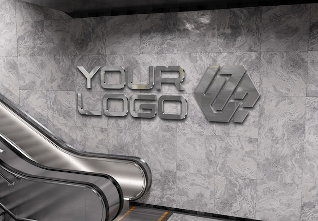 Odblaskowe logo 3d na ścianie stacji metra makieta
