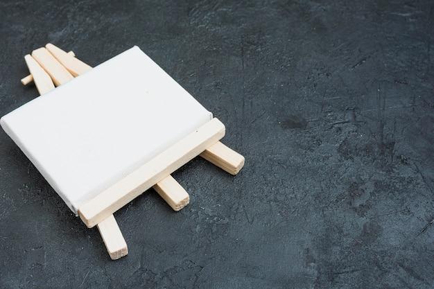 Opracowanie koncepcyjne artysty z makietą płótna i przestrzenią do kopiowania