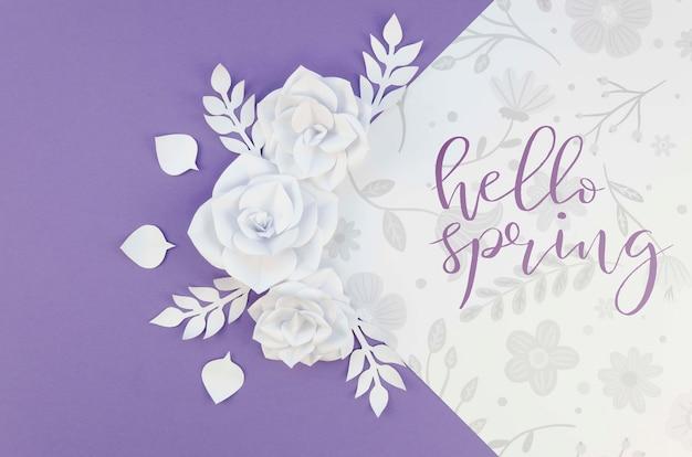 Ozdoba z białych papierowych kwiatów