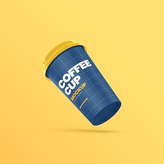 Papierowy kubek kawy pływająca makieta