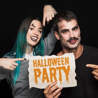 Pary mienia papier z halloween literowaniem