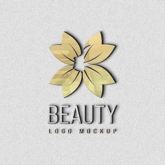 Piękno zamknij się na projekt makiety logo na ścianie