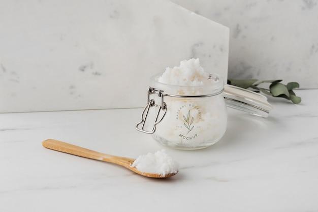 Pielęgnacyjne masło shea w makiecie słoiczkowej