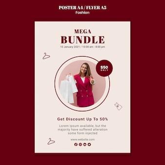 Pionowy plakat sprzedaży mody z kobietą i torbami na zakupy