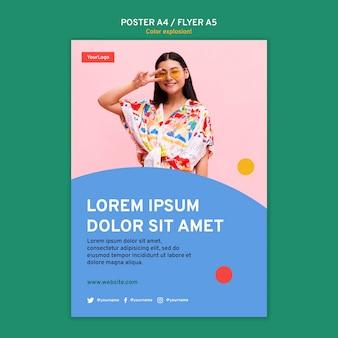 Pionowy plakat szablon z kobietą w okularach przeciwsłonecznych