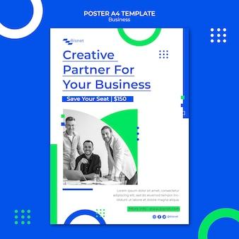 Pionowy szablon plakatu dla rozwiązania biznesowego z monochromatycznym zdjęciem
