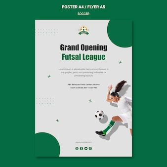 Pionowy szablon plakatu do ligi piłki nożnej kobiet
