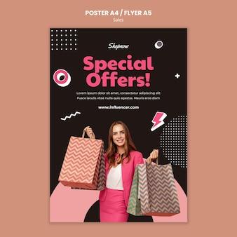 Pionowy szablon plakatu do sprzedaży z kobietą w różowym garniturze
