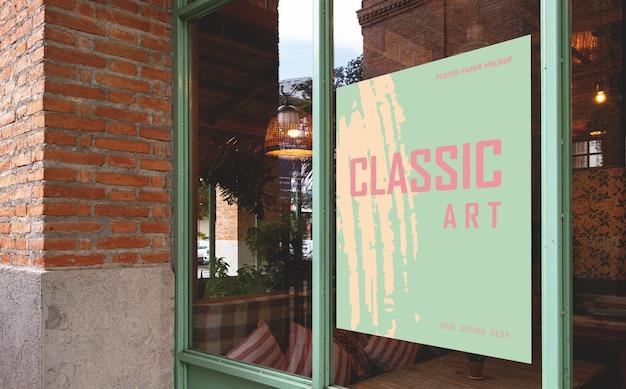 Plakatowa makieta papierowa specjalna promocja umieszczona przed restauracją