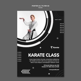 Plakatowy szablon reklamy klasy karate