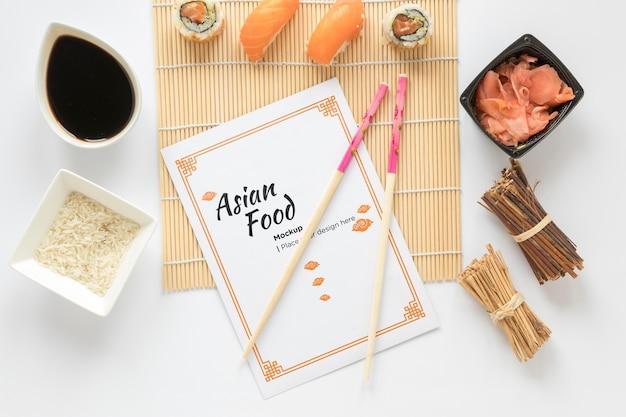 Płaskie świeckich koncepcja azjatyckiego jedzenia