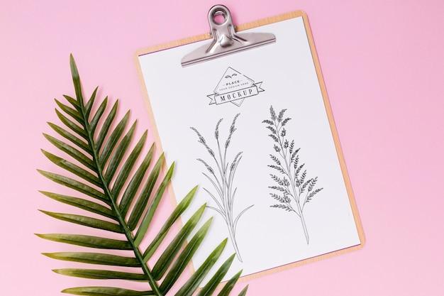 Płaskie ukształtowanie makiety koncepcja liści