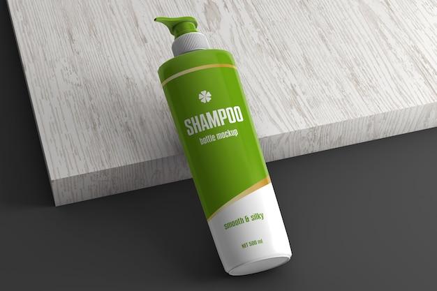 Plastikowa butelka szamponu z makietą nasadki dozownika