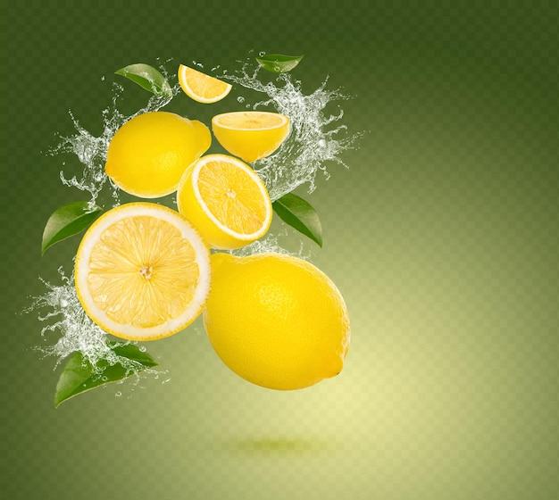 Plusk wody na świeżej limonki z liśćmi na białym tle