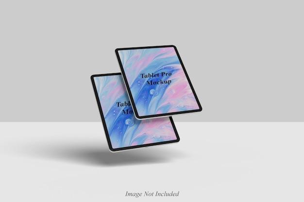 Pływający projekt makiety tabletu na białym tle