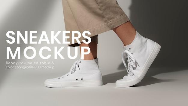 Podstawowe białe trampki psd makieta unisex streetwear modne buty