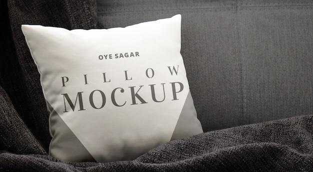 Poduszka makieta ciemne tło