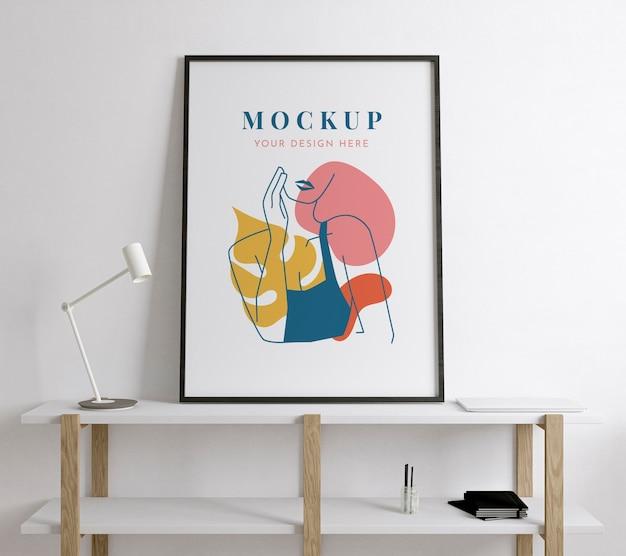 Pokój artysty z wyposażeniem i makietą plakatu